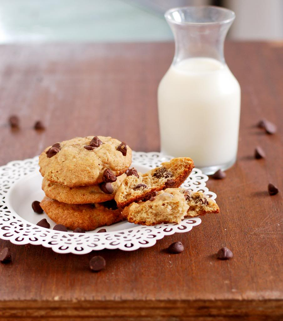 Banana Bread Cookies with Walnuts and Chocolate Chips