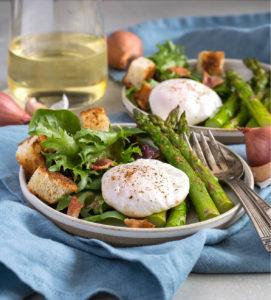 Asparagus Salade Lyonnaise